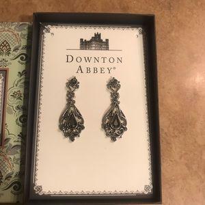 Downtown abbey Earrings